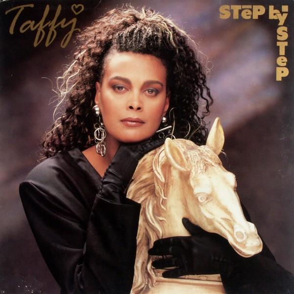 TAFFY - Step By Step - Maxi x 1